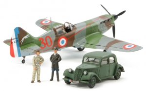Dewoitine D.520 &quot;French Aces&quot; w/Staff Car