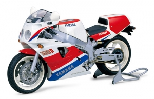 Yamaha FZR750R (OW01)